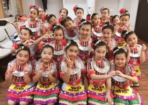 參加「第五十五屆學校舞蹈節」比賽,榮獲優等獎